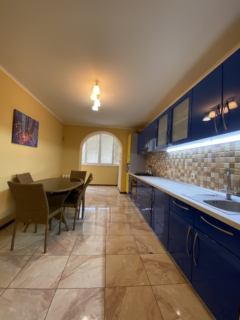 продажа трехкомнатной квартиры номер A-157464 в Киевском районе, фото номер 15